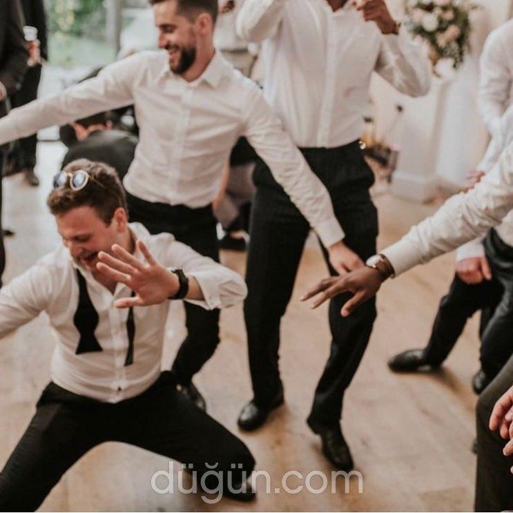 Sivas Düğün Dansı by Hülya Selen