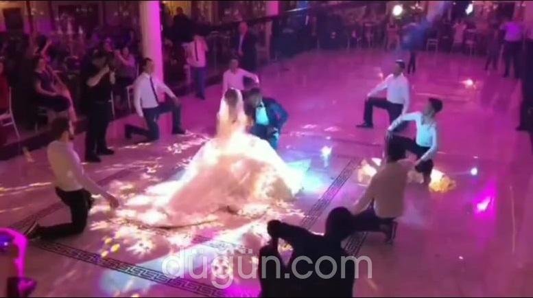 1 Adım Dance Company