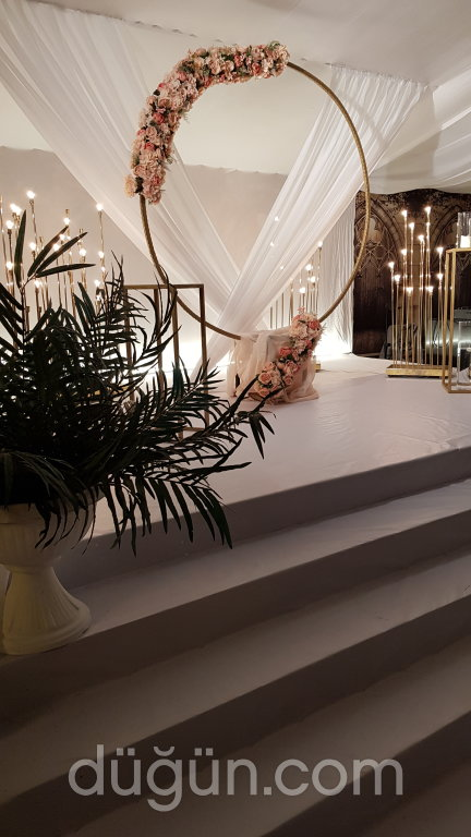Melina Wedding House