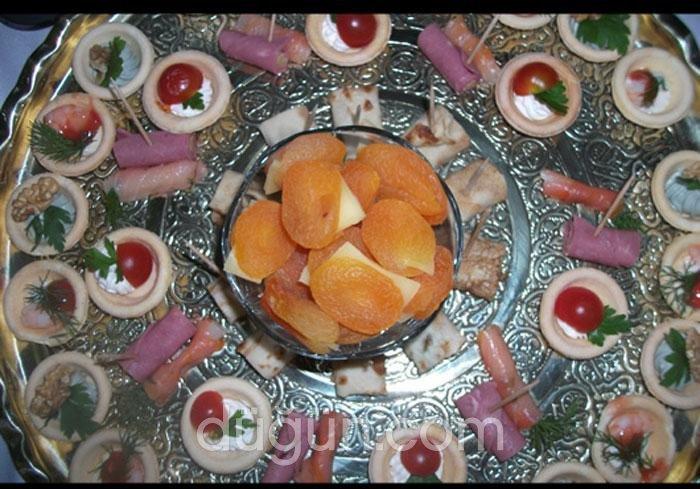 Yasmin Catering Davet