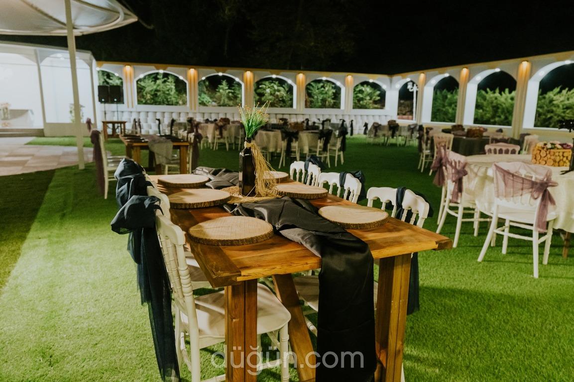 Enorme Jardin Kale Bahçe