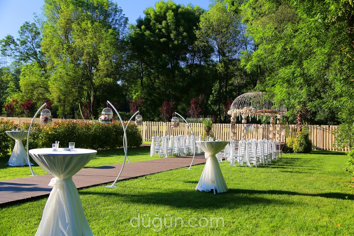Bahar Country Nazende Bahçe