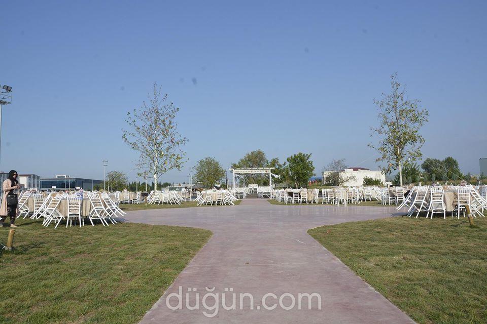 Kuğulu Park Kır Düğünü