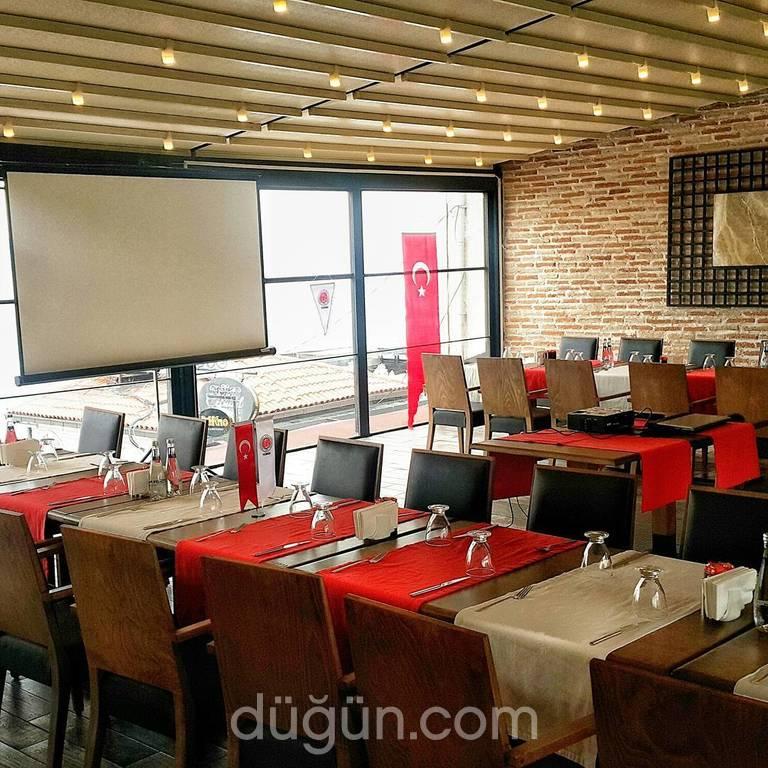 Suppa Cafe & Lounge
