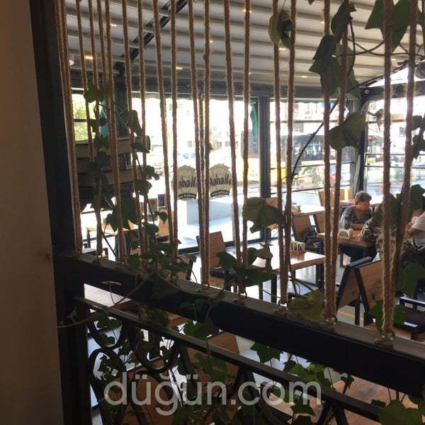Mahalle Cafe & Restaurant