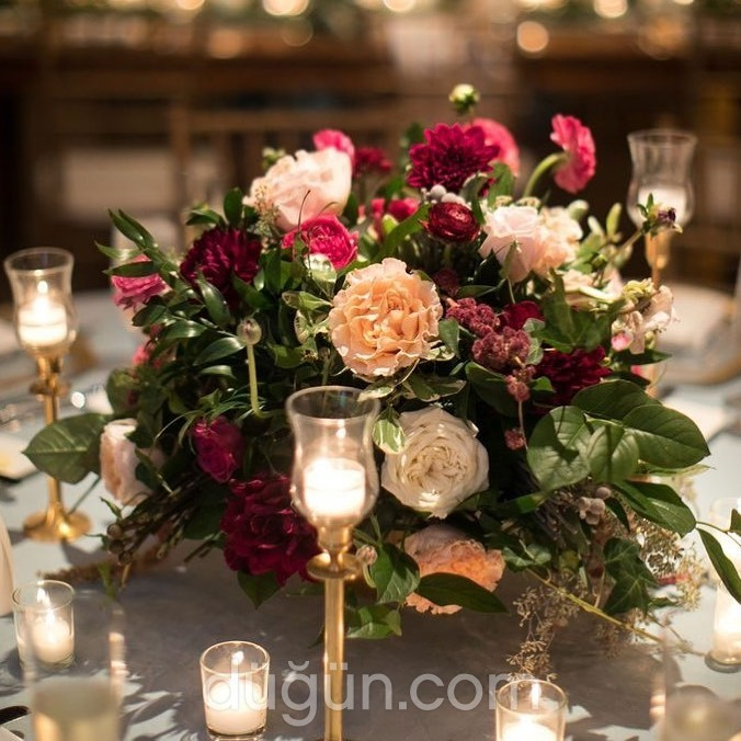 Serenat Flowers & Event