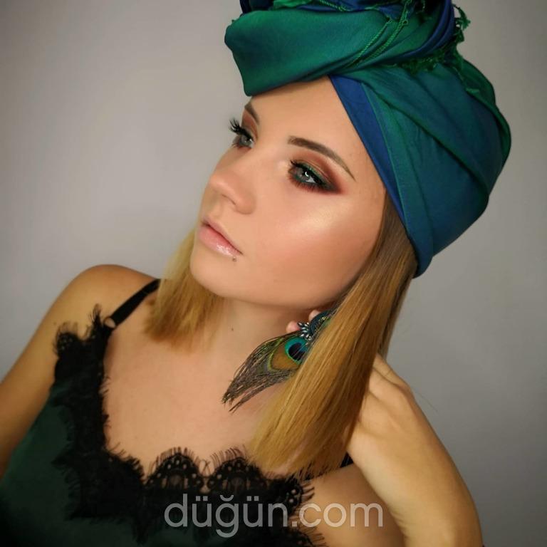 Make Up Artist Elif Deniz
