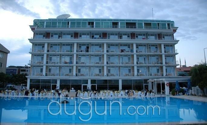 Pelikan Otel