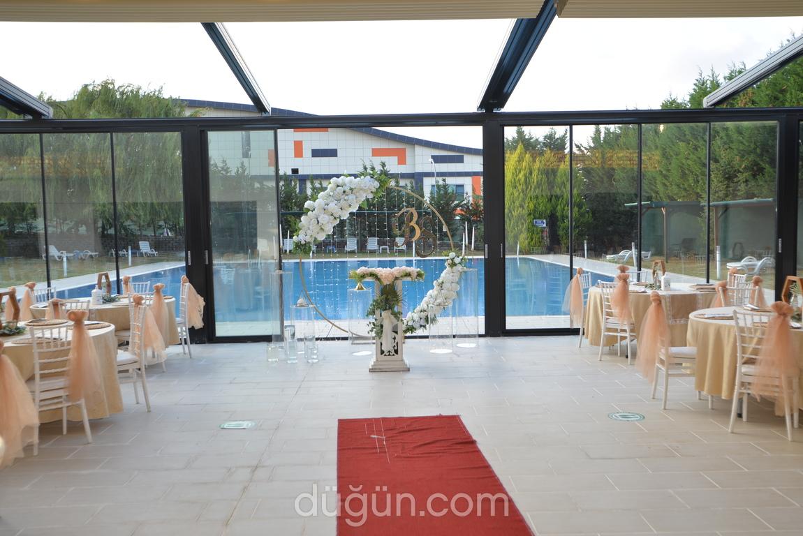 Poolside Bahçeşehir