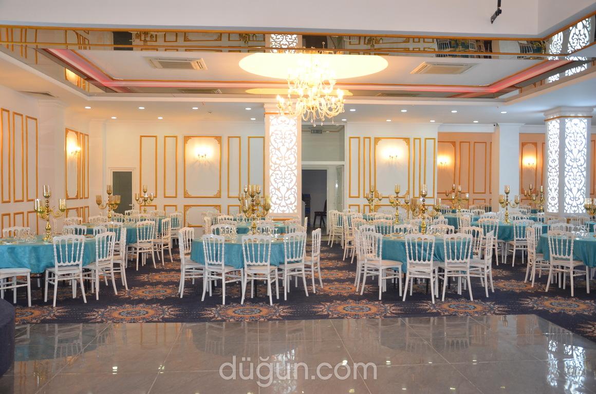 Alyans Deluxe Wedding