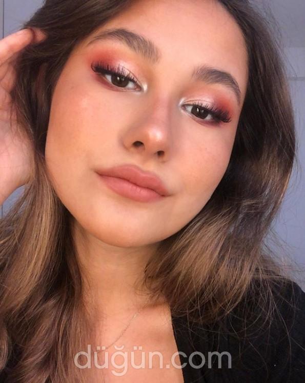 Makeup Senna