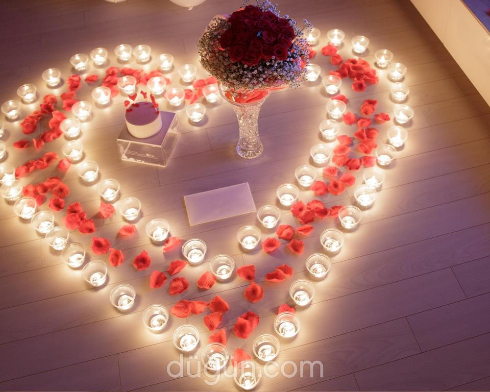 Lotus Yat- Sürpriz Evlilik Teklifi