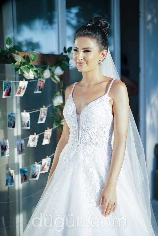 Lima Bloom Wedding Dress