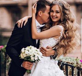 Gelinlik Siparişi Veren Gelinlerimize Düğün Makyajı Hediye!