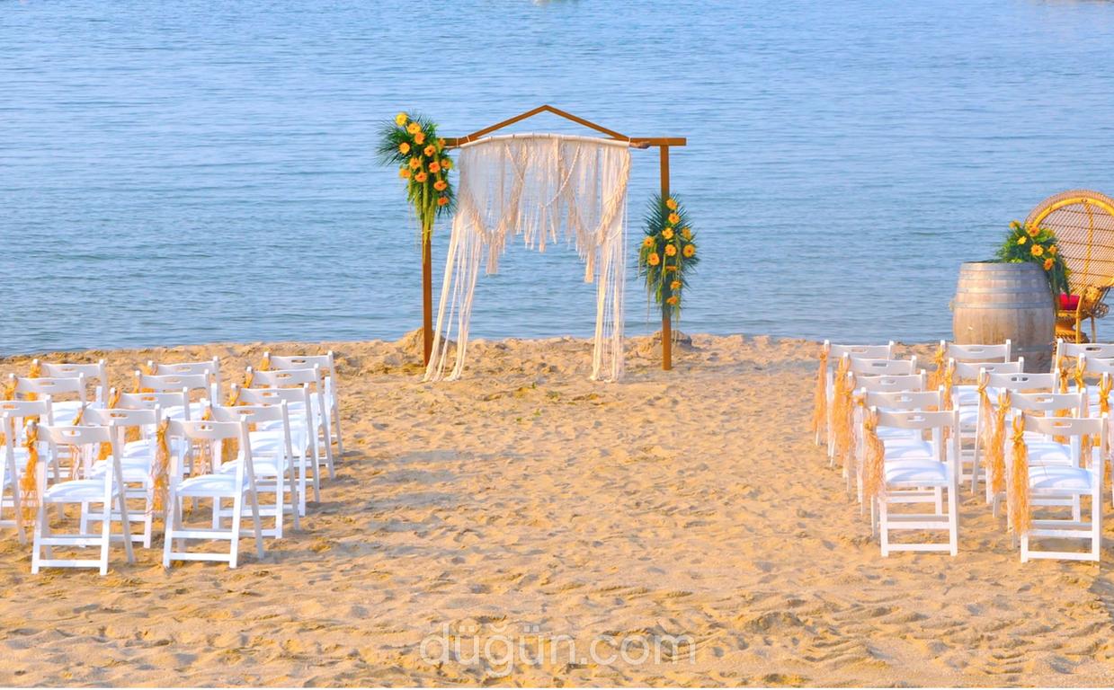 Mila Garden & Beach Wedding
