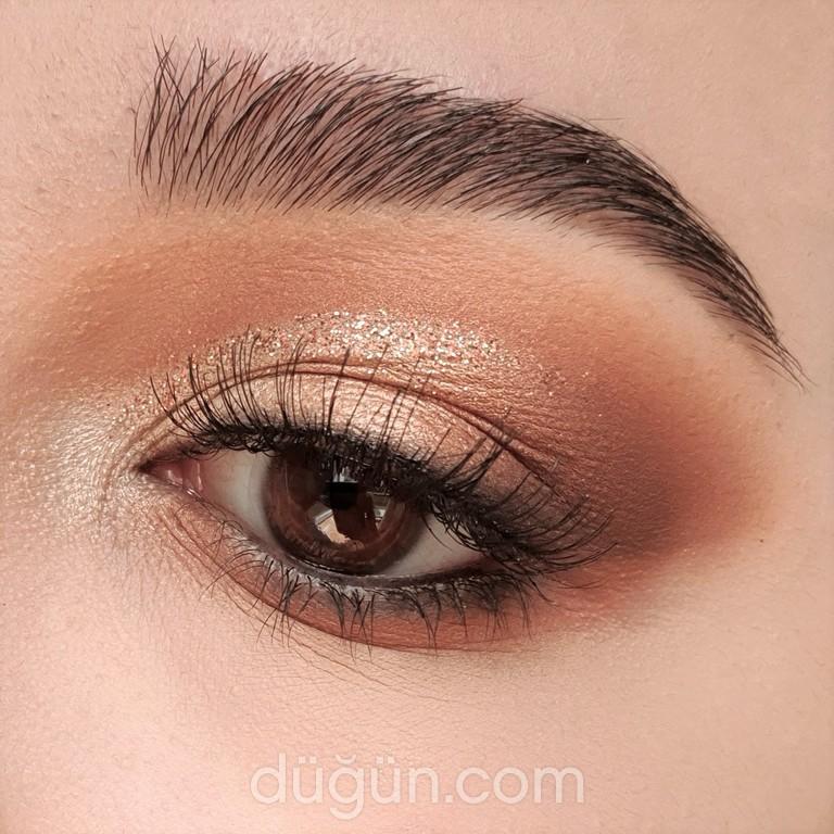 Make Up Artist Zehra