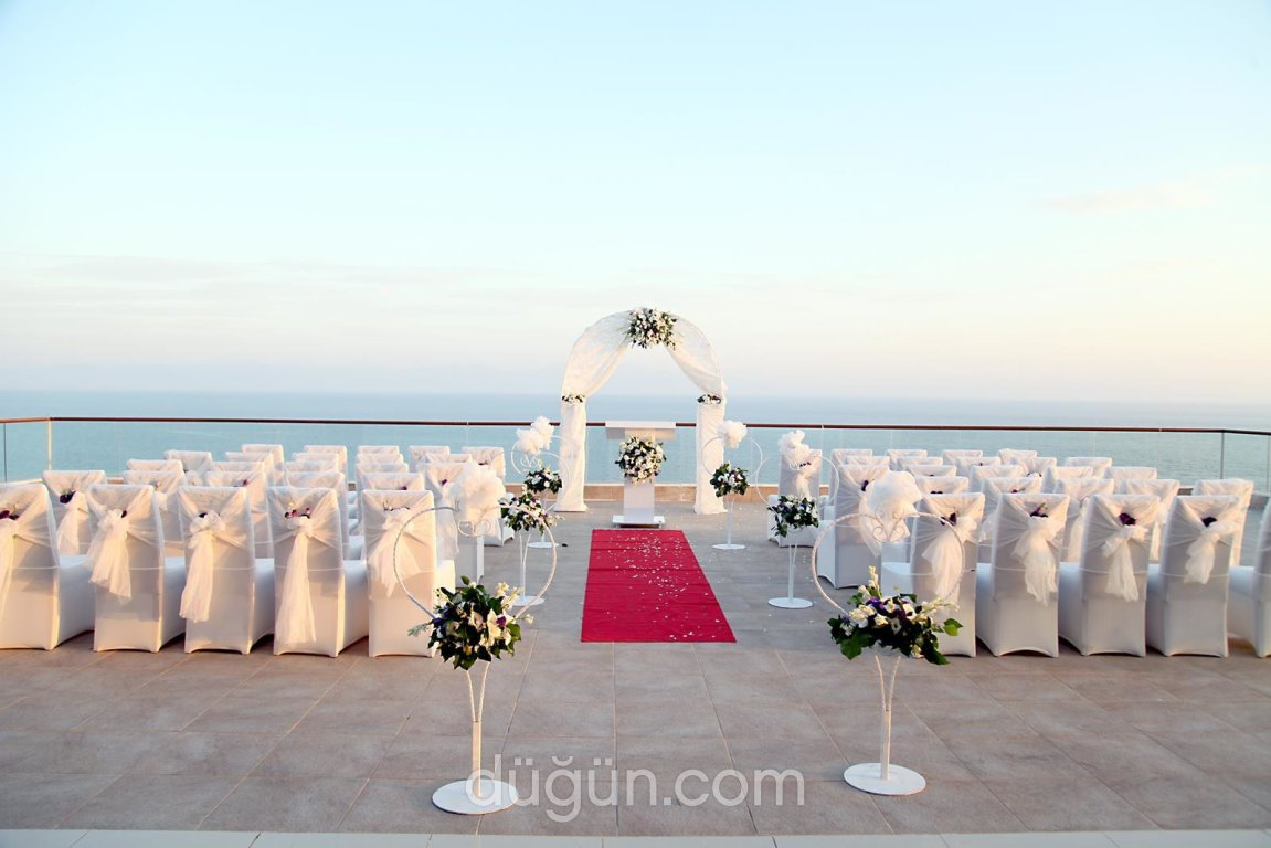 Aria Claros Beach & Spa Resort