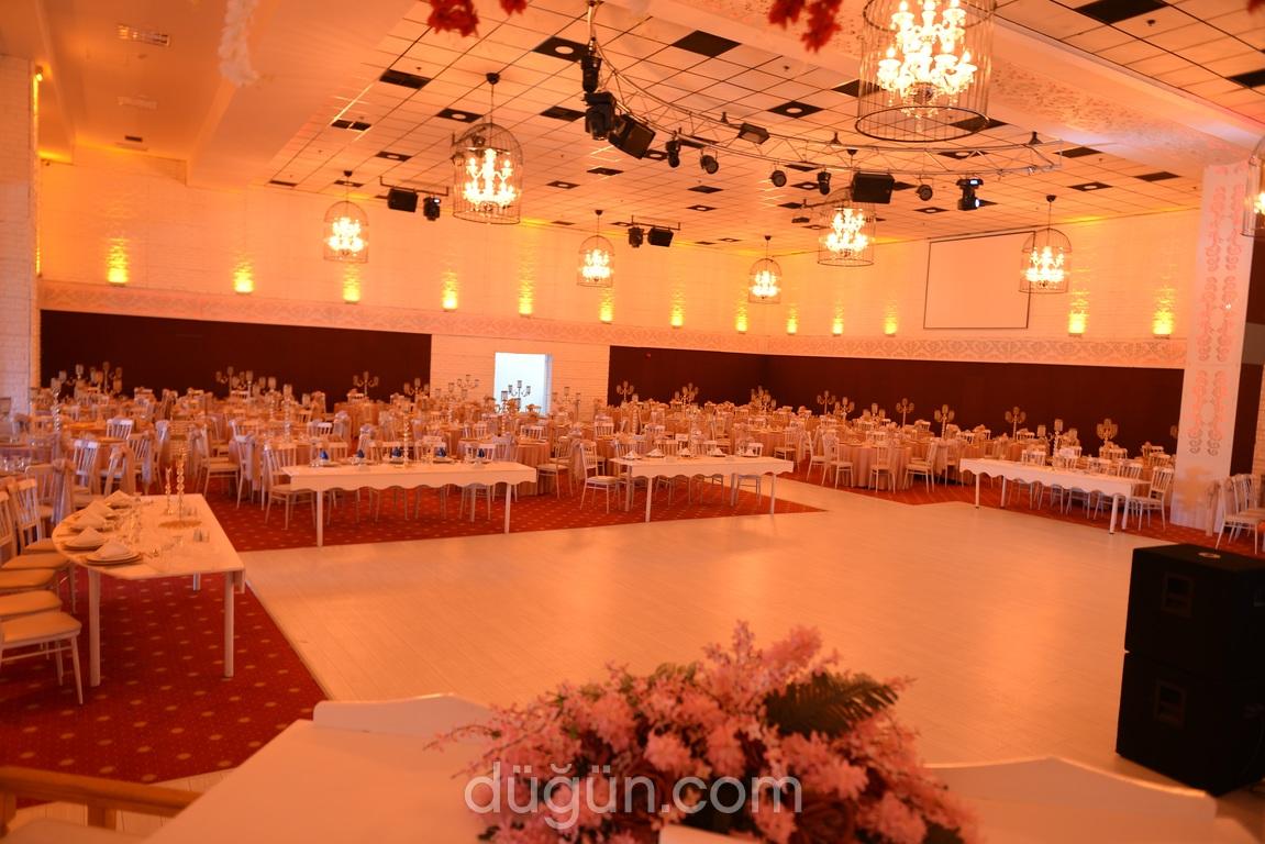 La Mode Düğün Balo Kokteyl Salonları