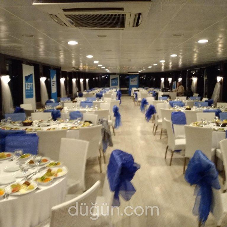 Aşk ve Mavi Tekne Turları