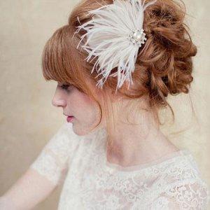 Tüylü Tokalı Gelin Saçı Modelleri