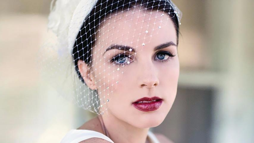 Gelinler İçin Porselen Makyajın Sırları