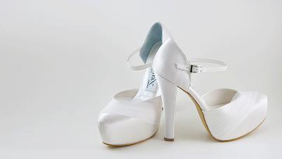 Bu Gelin Ayakkabıları Tam Ayağınıza Göre