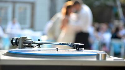 Hangi Düğün Mekanında DJ Tercih Edilmeli?